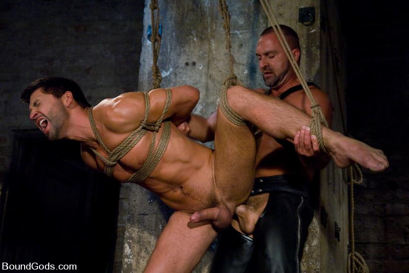 Slave gay porno pics